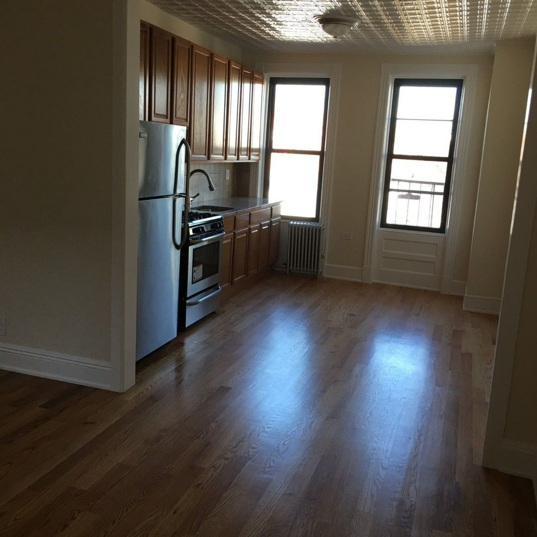 409 Onderdonk Avenue, Apt 3L, Queens, New York 11385
