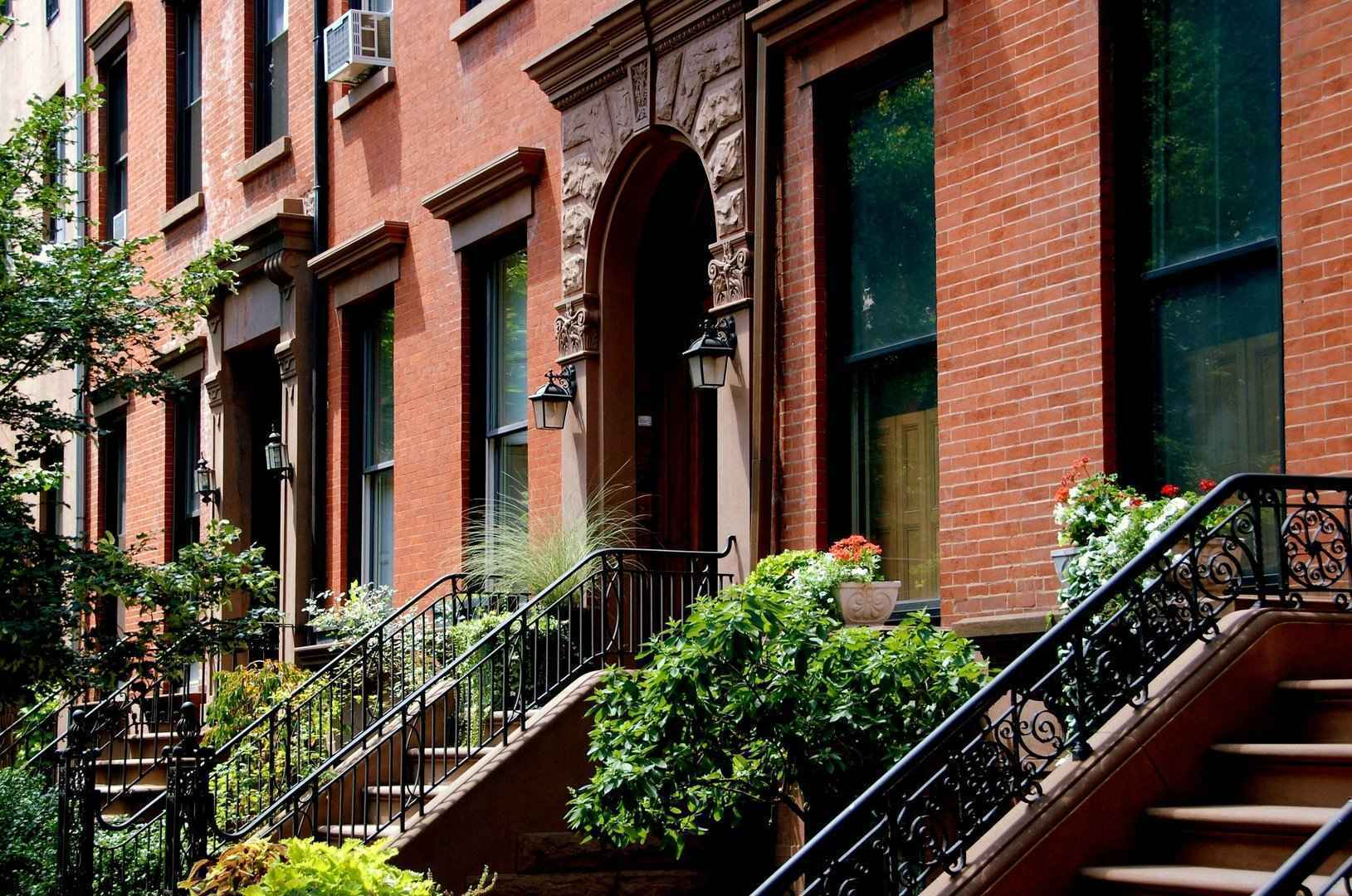 Brownstones in Cobble Hill Brooklyn