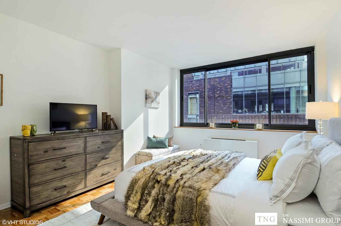 Apartment for sale at 2000 Broadway, Apt 6-F