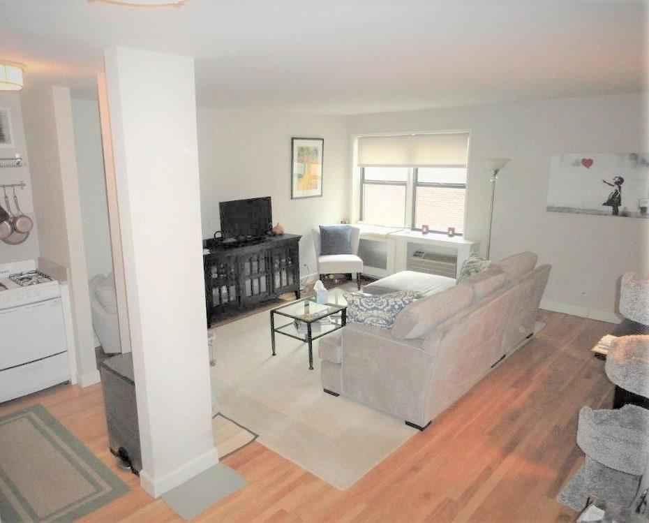 Apartment for sale at 140 Seventh Avenue, Apt 7C