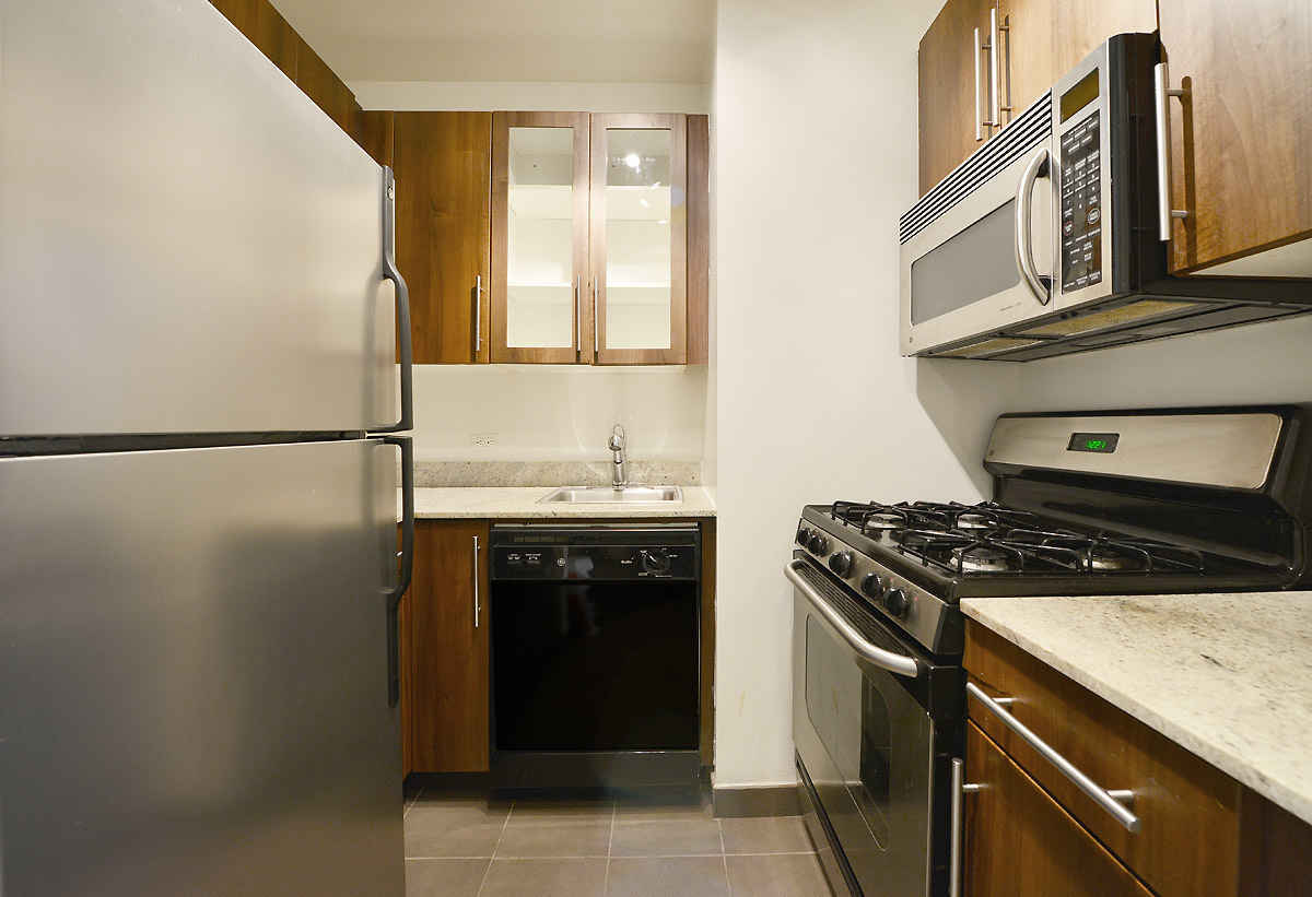 Apartment for sale at 1 Wall Street Court, Apt 1407