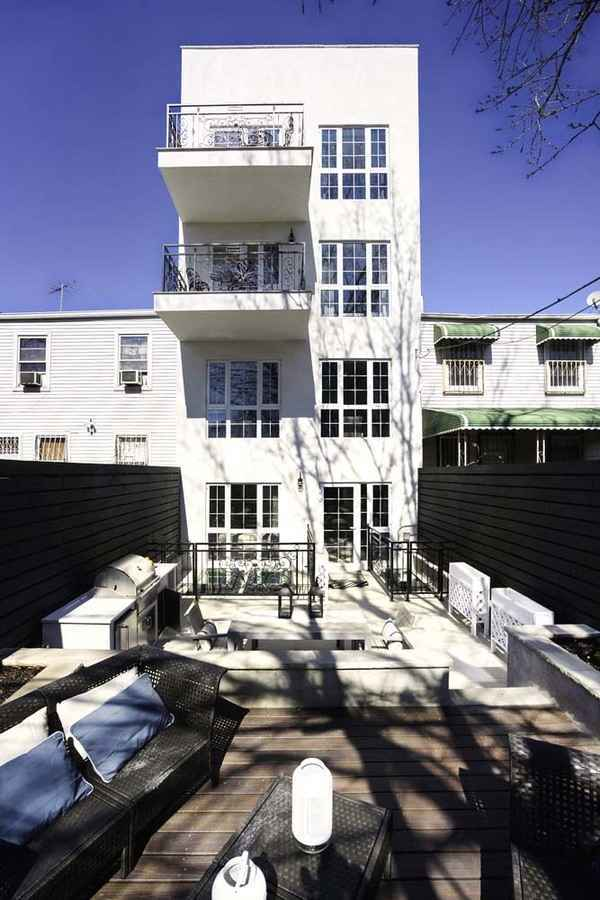 Apartment for sale at 450 Hart Street, Apt 1R