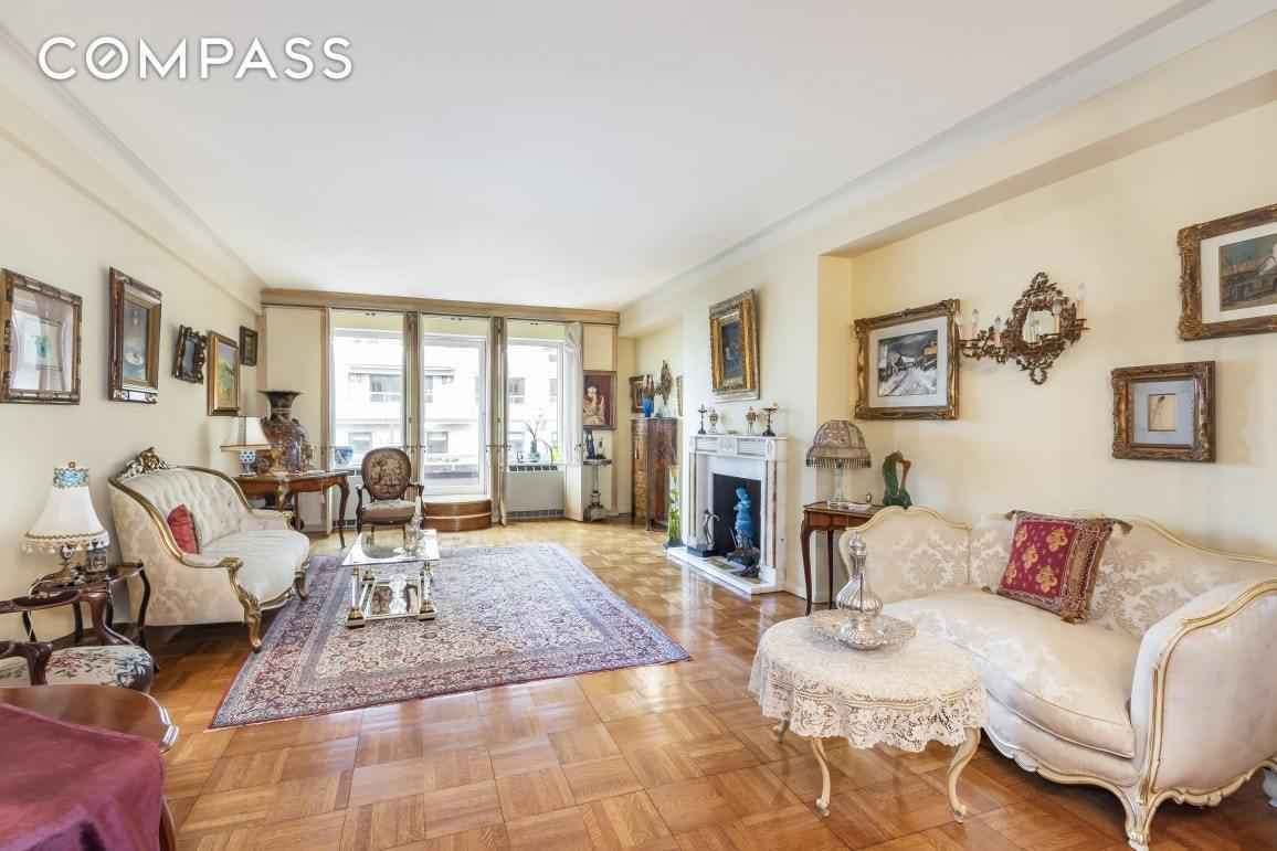 Apartment for sale at 870 Fifth Avenue, Apt 16-E