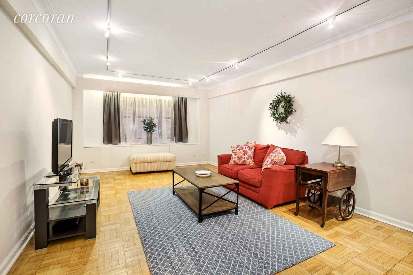 Apartment for sale at 860 Fifth Avenue, Apt 3L