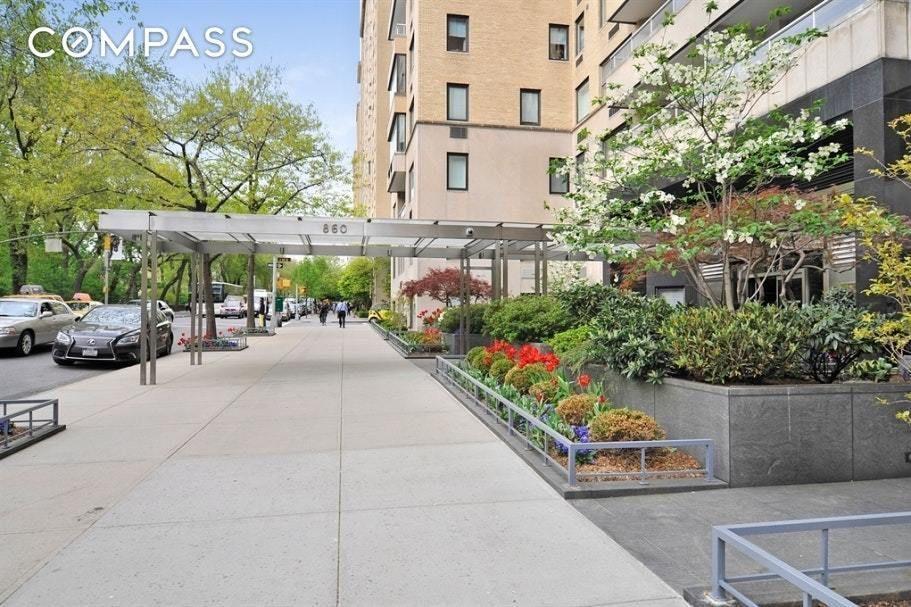 Apartment for sale at 860 Fifth Avenue, Apt 8-E