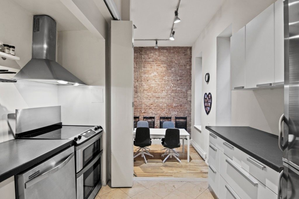 Apartment for sale at 23 Waverly Place, Apt 2Z