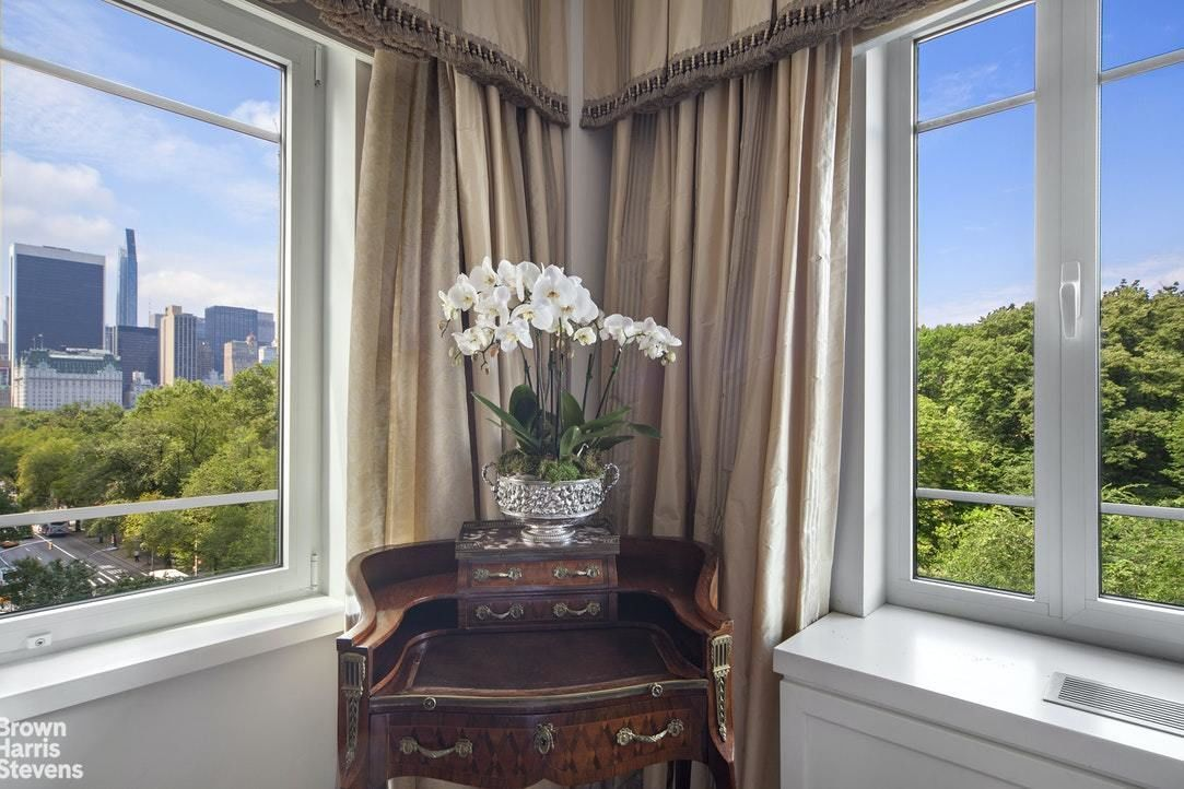 Apartment for sale at 880 Fifth Avenue, Apt 7F