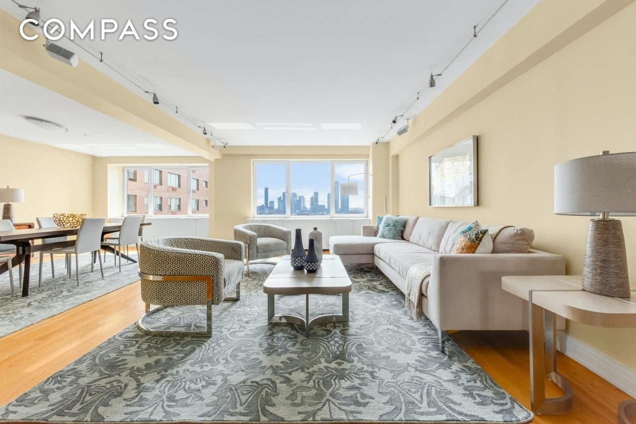 Apartment for sale at 25 Sutton Place South, Apt 18-K
