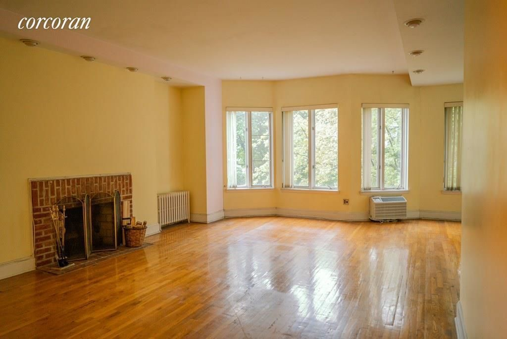 Apartment for sale at 11 Monroe Place, Apt 4