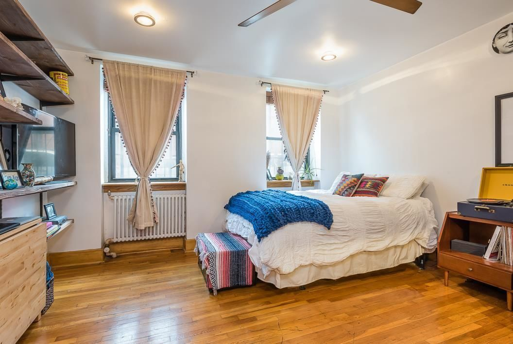 Apartment for sale at 32 South Oxford Street, Apt A