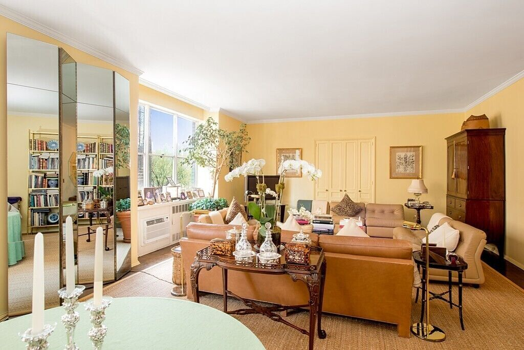Apartment for sale at 910 Fifth Avenue, Apt 5C