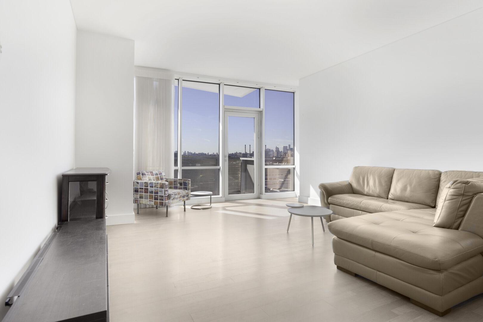 Apartment for sale at 5-19 Borden Avenue, Apt 3-E