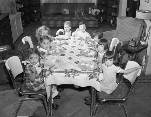 [Image: kids-table.jpg]