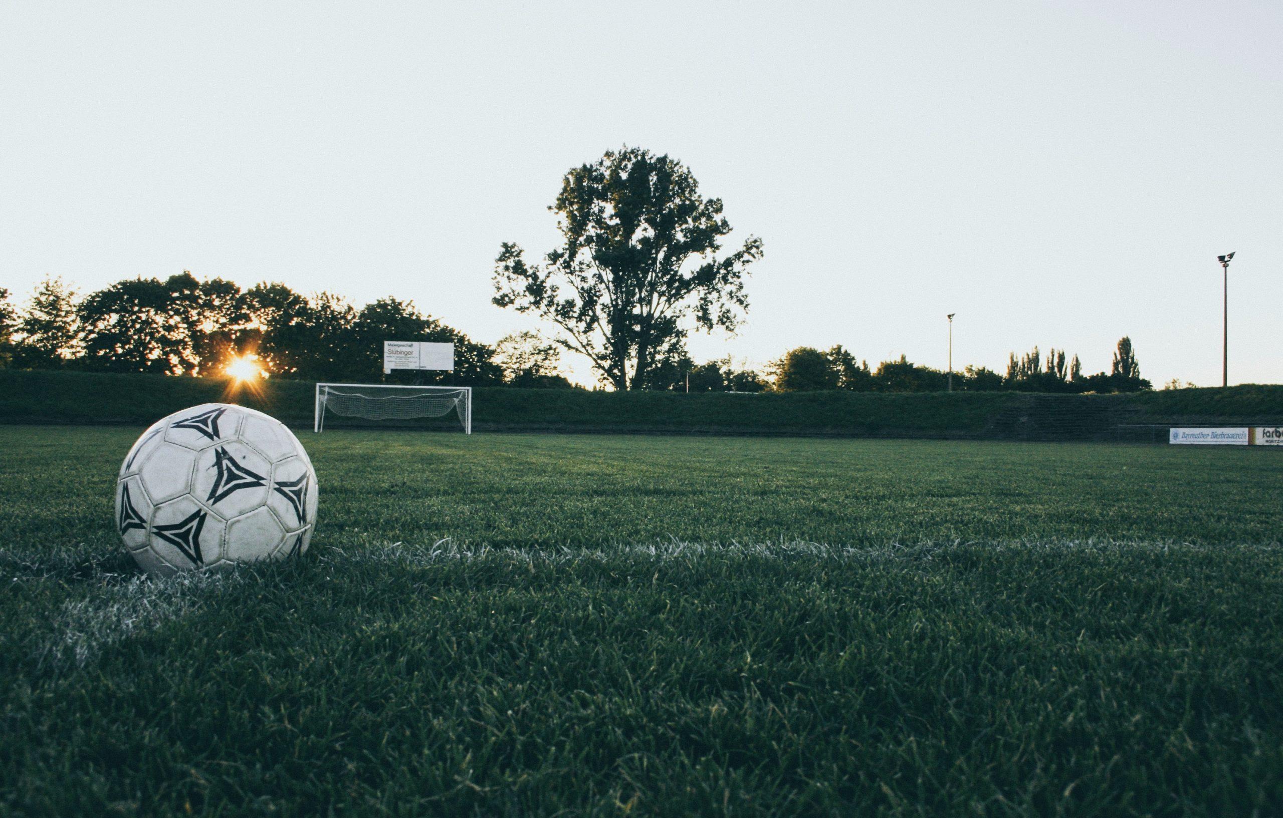 soccer ball Photo by Markus Spiske from Pexels