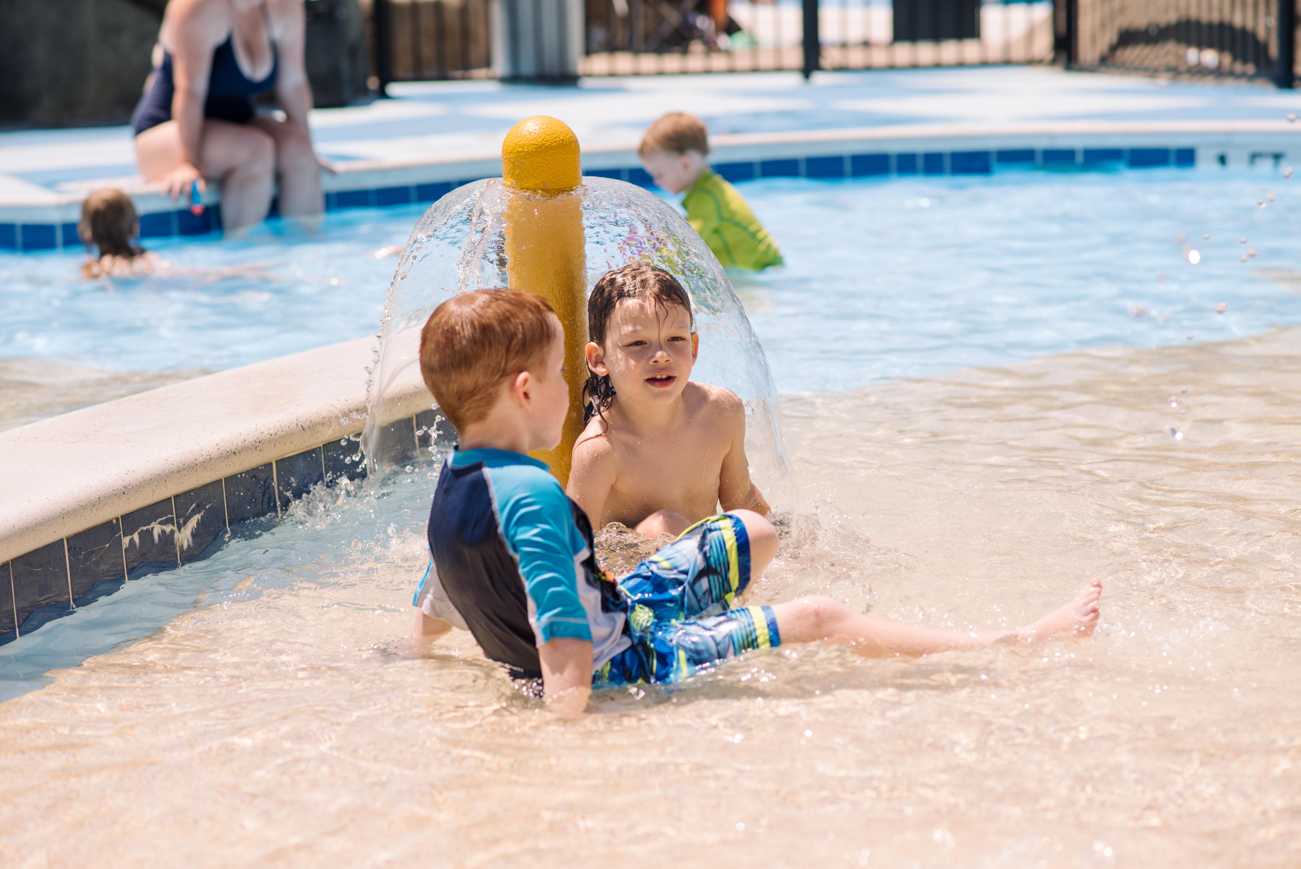 water park kids