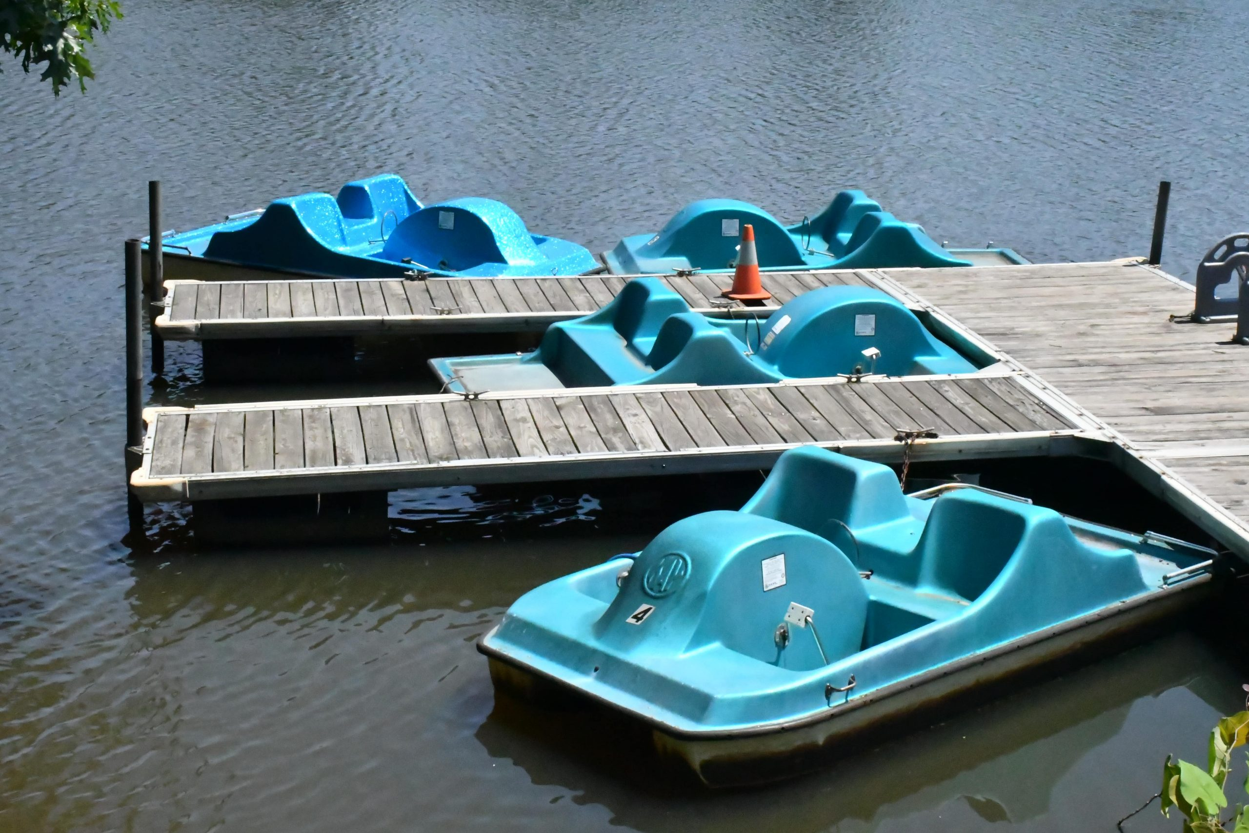 Lake Michael boats for rent