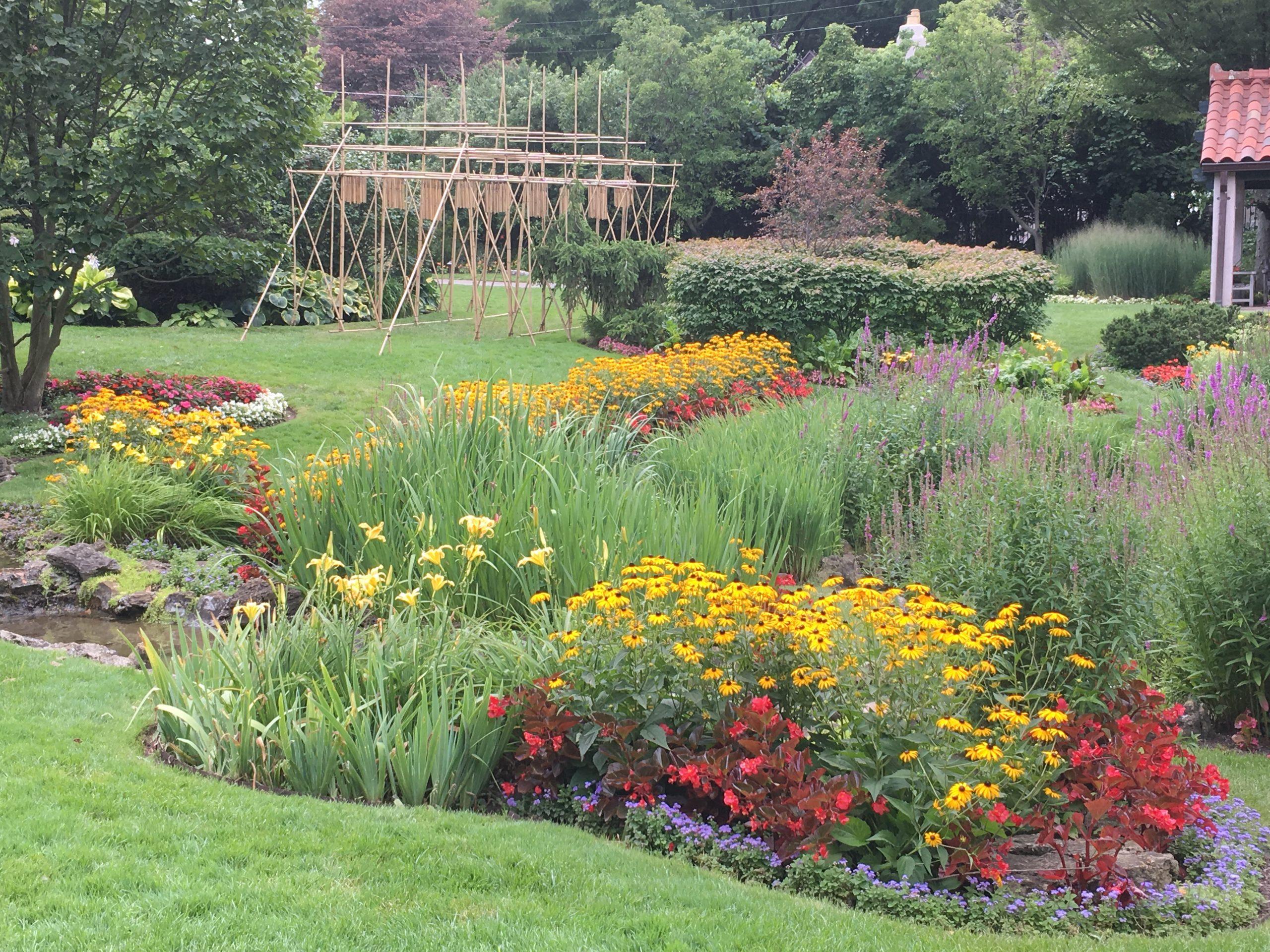Smith Gardens Music Art Photo