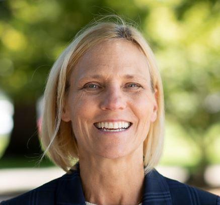 Peggy Flynn Headshot