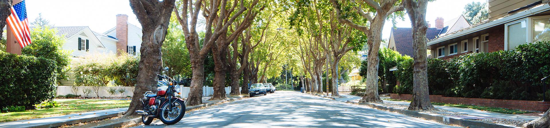 photo of a Petaluma streetscape