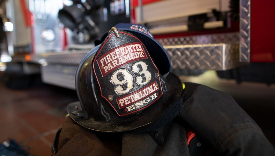 photo of Petaluma fire fighter helmet