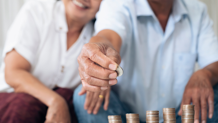 couple saving for retirement