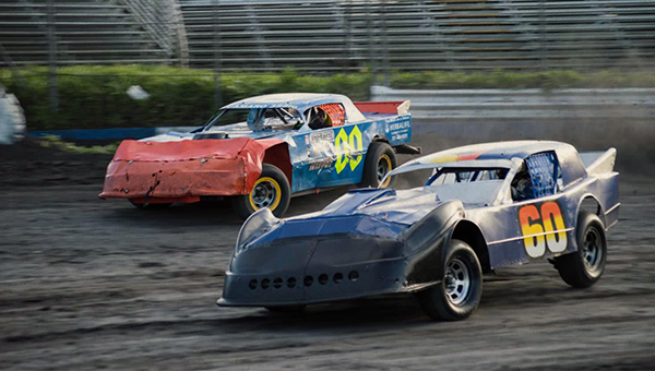 picture from Petaluma Speedway