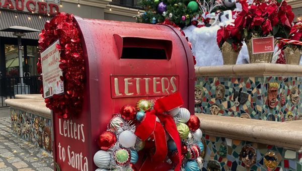 picture of santa's letters mailbox