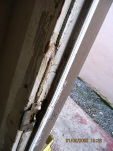 damaged_door_frame