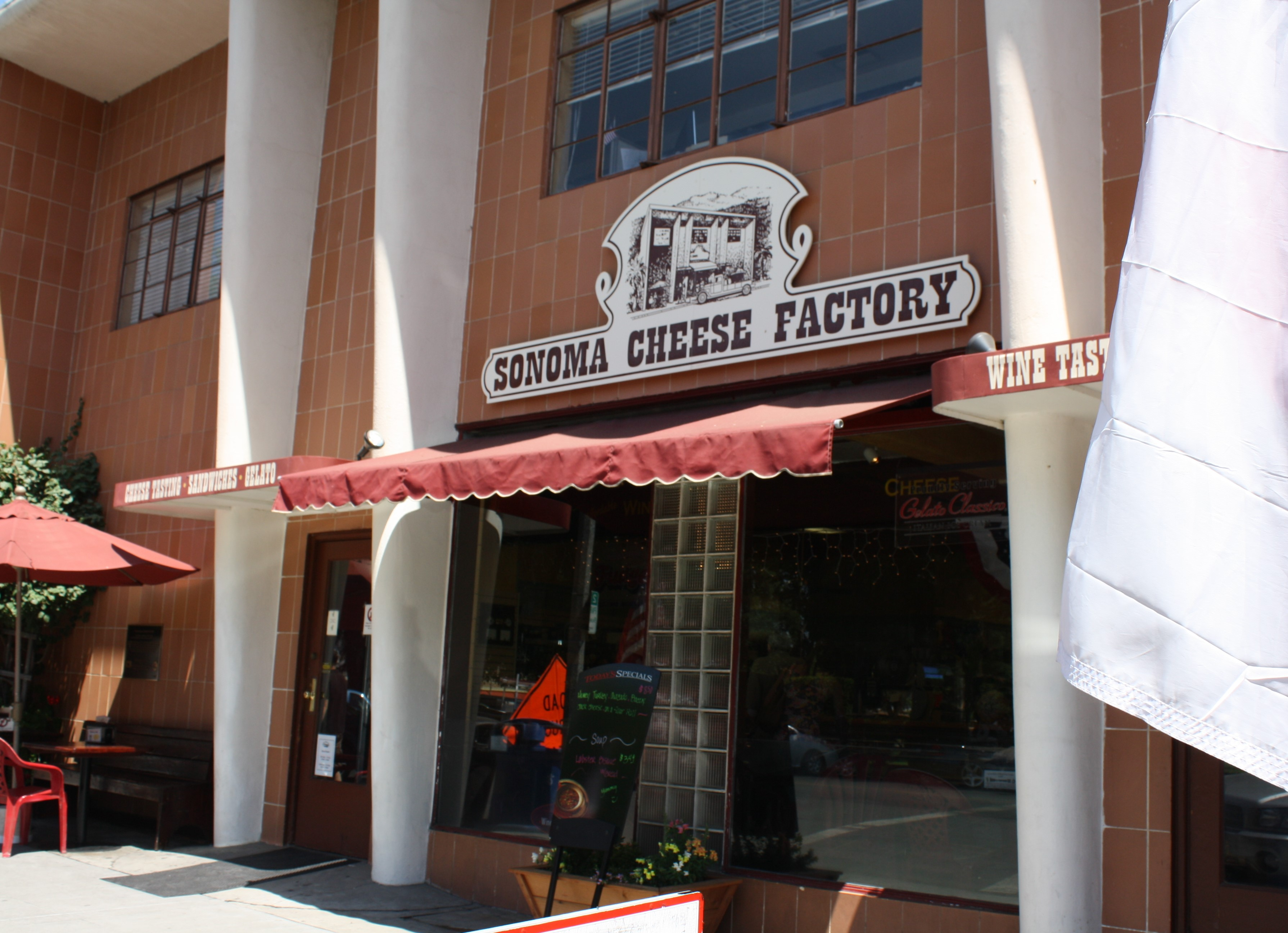 Sonoma Cheese Factory entrance