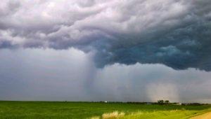 Severe thunderstorm over the prairie