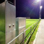 Belyst fotbollsplan, detaljbild på strålkastarstålpe