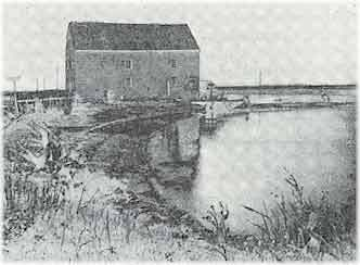 Gerritsen_Creek_tidal_mill_in_the_late_nineteenth_century_Photo_by_P_Ross_courtesy_A_History_of_Long_Island_1903.jpg