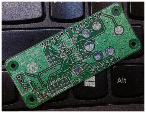 hedlab_air_sensor_pcb_pic_on_keyboard_cropblur.jpg