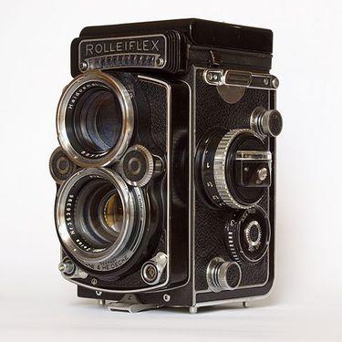 480px-Rolleiflex_f2-8-F.jpg