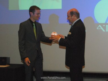 kari-voutilainen-receives-the-gaa-prize-at-the-mih
