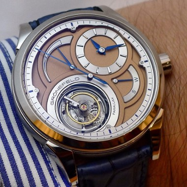 wristshot-of-the-gronefeld-parallax-tourbillon-in-platinum