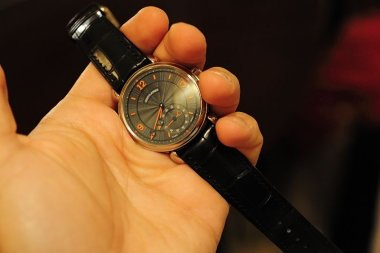 pot-october-2014-playing-with-some-voutilainens-timepieces