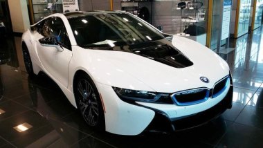 anyone-here-have-a-bmw-i8-here-are-pics-of-a-white-one