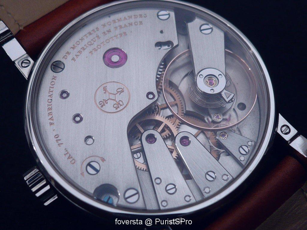 Quel est selon vous le plus beau mouvement de montre 3 aiguilles (+SQ...). Basel_image.1071446