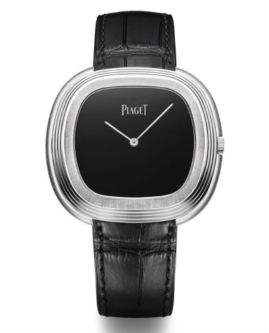 sihh-2015-piaget-black-tie-and-traditional-oval-timepieces