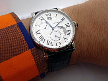 hands-on-review-of-the-rotonde-de-cartier-large-date-retrograde-second-timezone