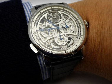 sihh-2015-another-creative-year-for-cartier
