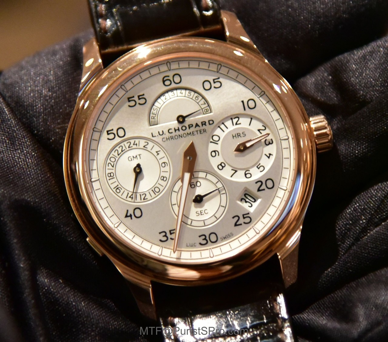 f63368ca7569a9 Chopard reinterpreted a classic from its L.U.C Haute Horlogerie collection  with the new L.U.C Regulator model. The improved dial design allows current  ...