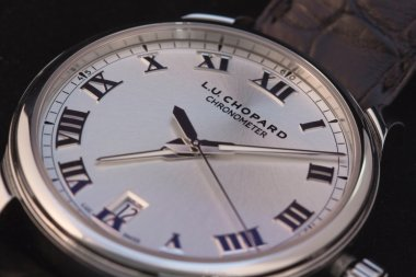 luc-1937-on-the-wrist-review