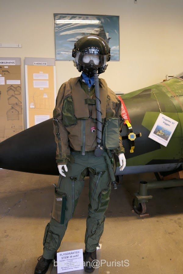 You may wonder why they used a female manikin to show the flight suit  96bdaca3eb7