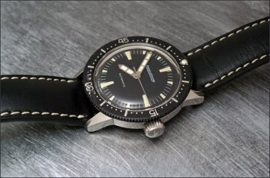 a-very-nice-vintage-diving-watch-the-master-mariner-dolphin-or-voguematic