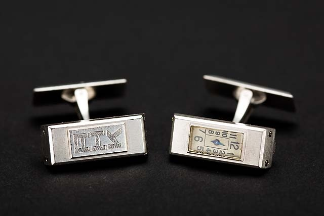 another picture of the platinum cufflinks