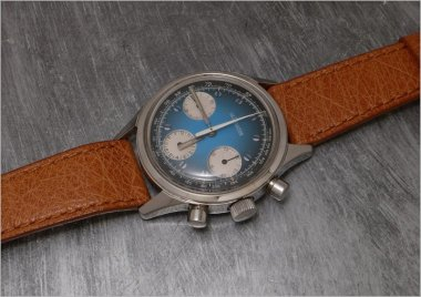 vintage-lecoultre-blue-chronograph-a-sweet-candie