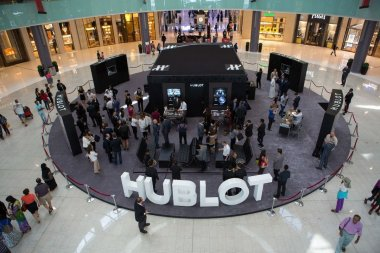 hublot-unveils-latest-pop-up-store-in-dubai-kick-off-of-first-hublot-challenge-2014