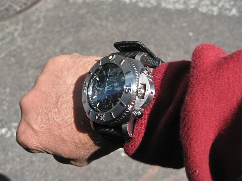 http://panerai.watchprosite.com/img/watchprosite/panerai/41/scaled/panerai_image.1544641.jpg